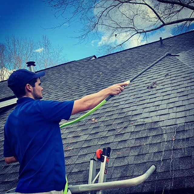 The best roof cleaning washing company in auburn opelika alabama al
